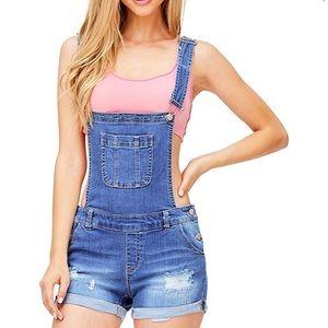 Short overalls 🌸